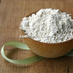 whitening clay mask